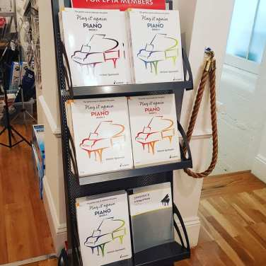 Lovely to see my publications in pride of place at the Schott Shop in London: https://en.schott-music.com/play-it-again-piano/